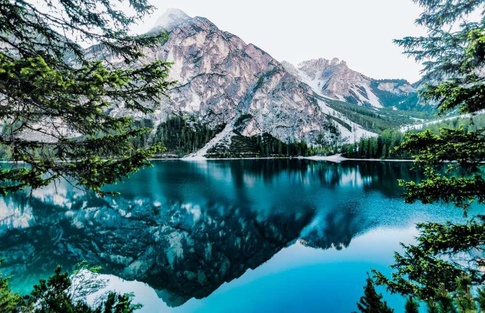 Lake Tahoe – Largest natural lake in California