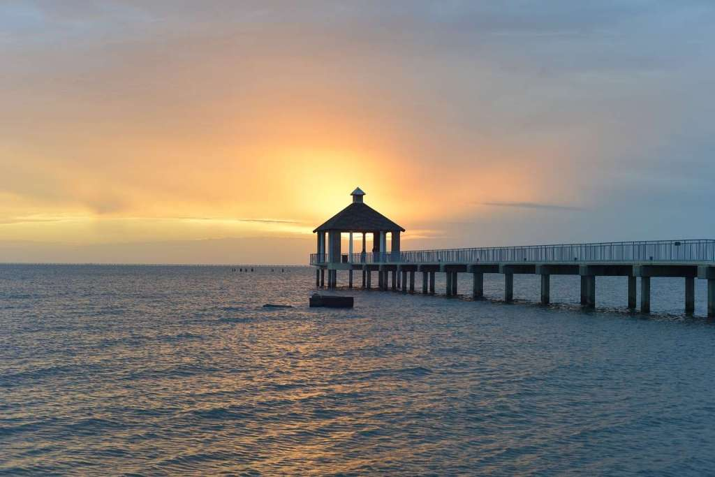 Lake Pontchartrain - the lake that is oval in shape