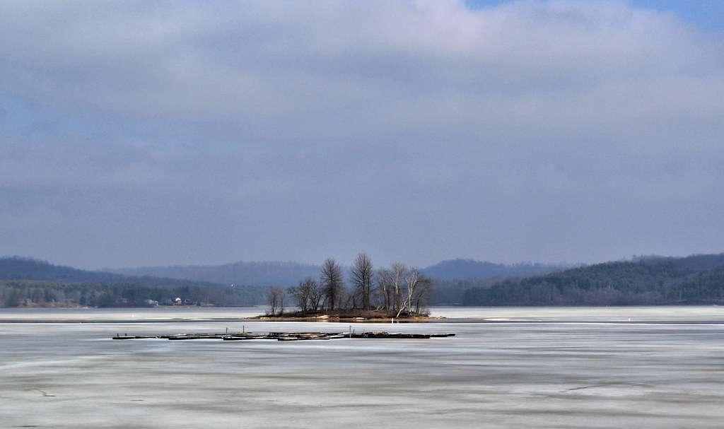 Senecaville Lake - The third largest inland lake in Ohio