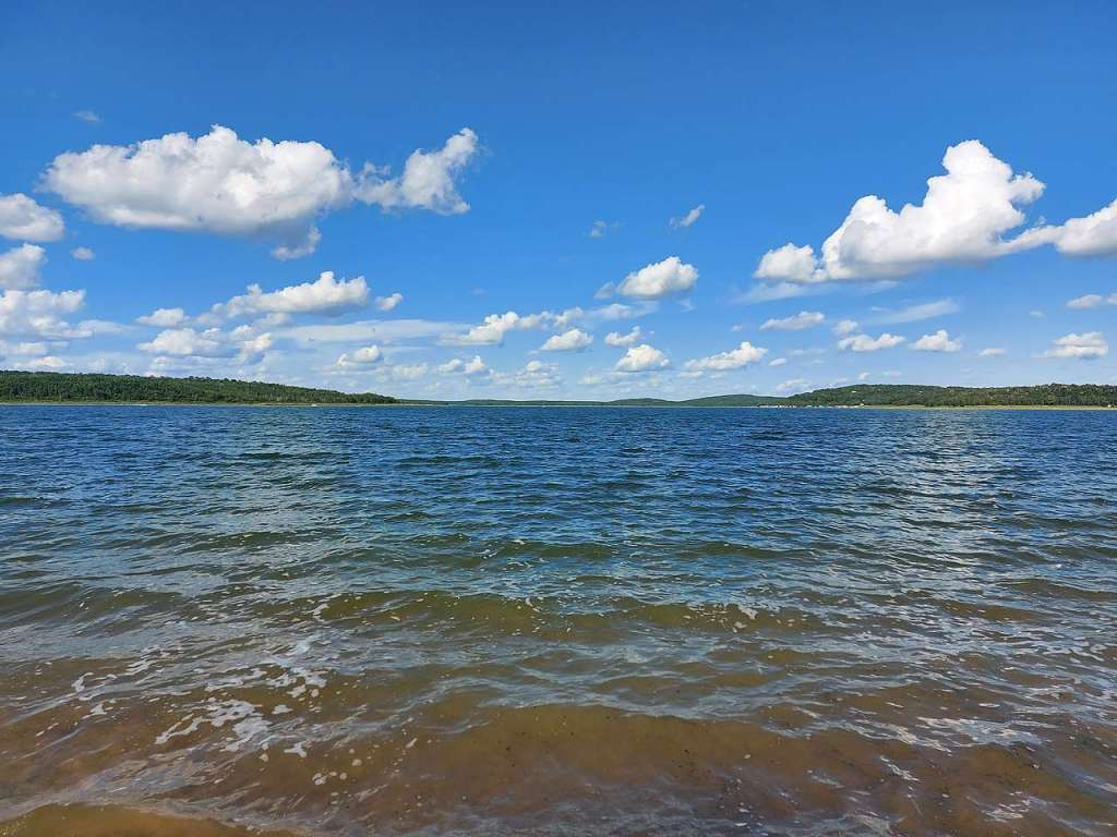 Carlyle Lake – largest body of water wholly contained within Illinois
