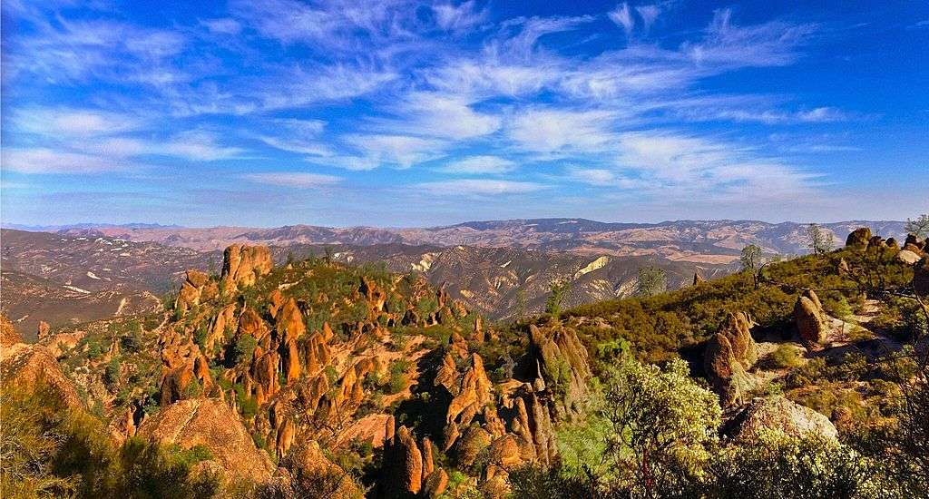 What is the best time to visit Pinnacles National Park?