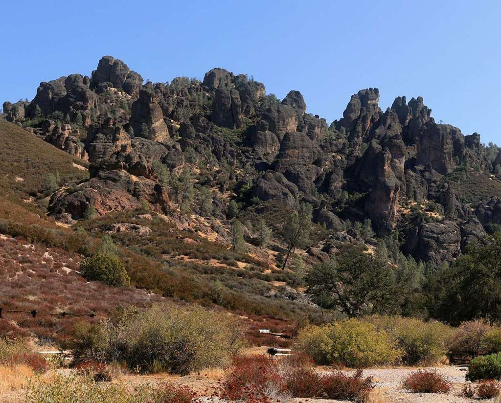 What is the Pinnacles National Park known for?